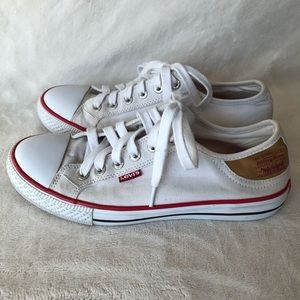 Levi's white canvas sneakers tennis shoes